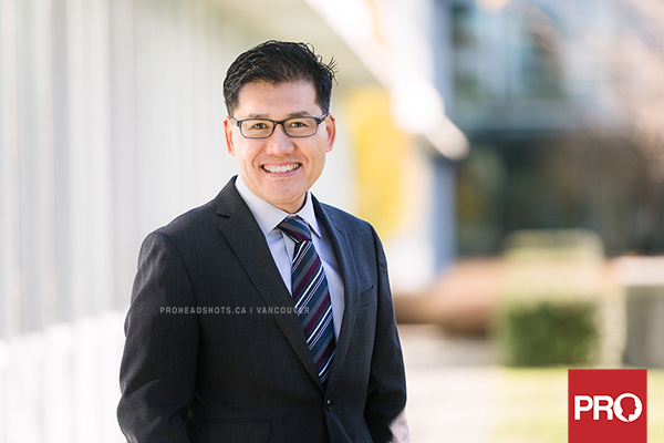 modern Vancouver realtor headshots in the Fall